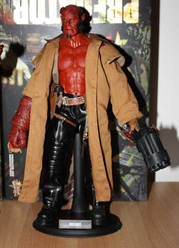 Photos de ma collection(John) - Page 2 Hellboy